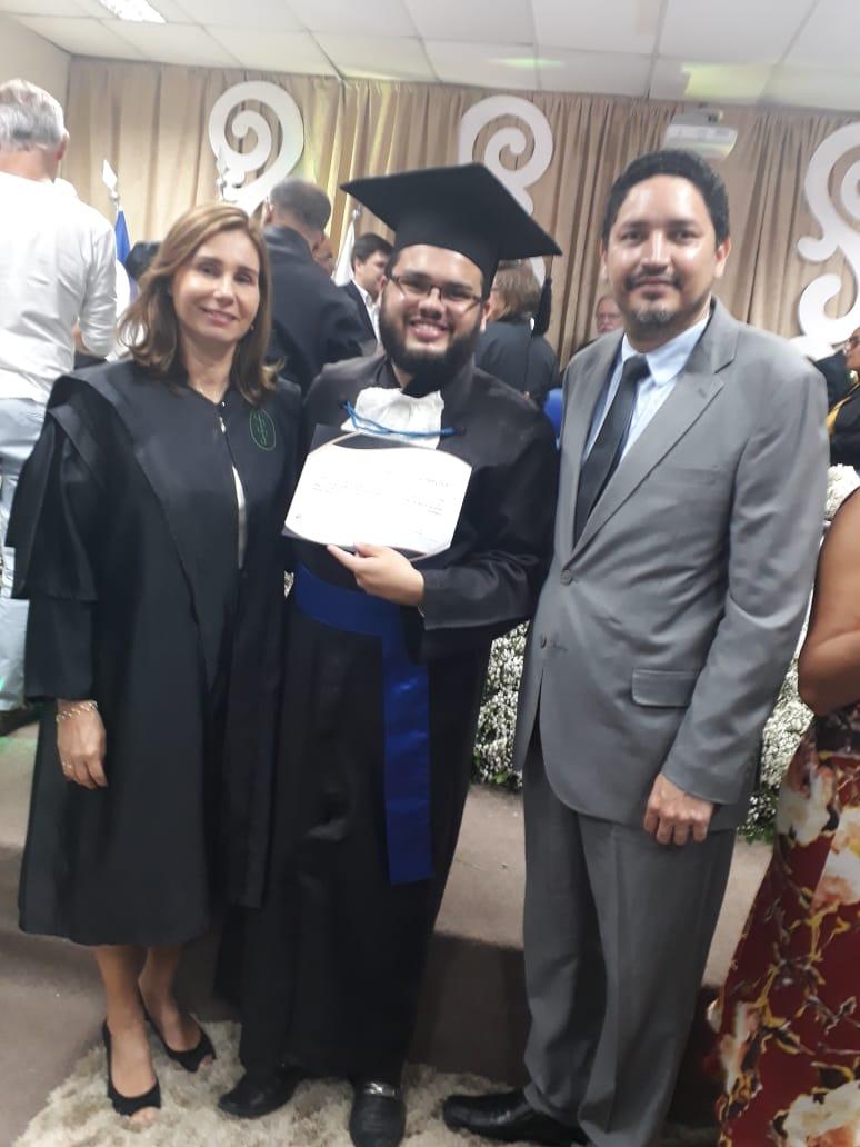 Membro do AquaPOLI ganha título de melhor dissertação em Colação de Grau da UPE